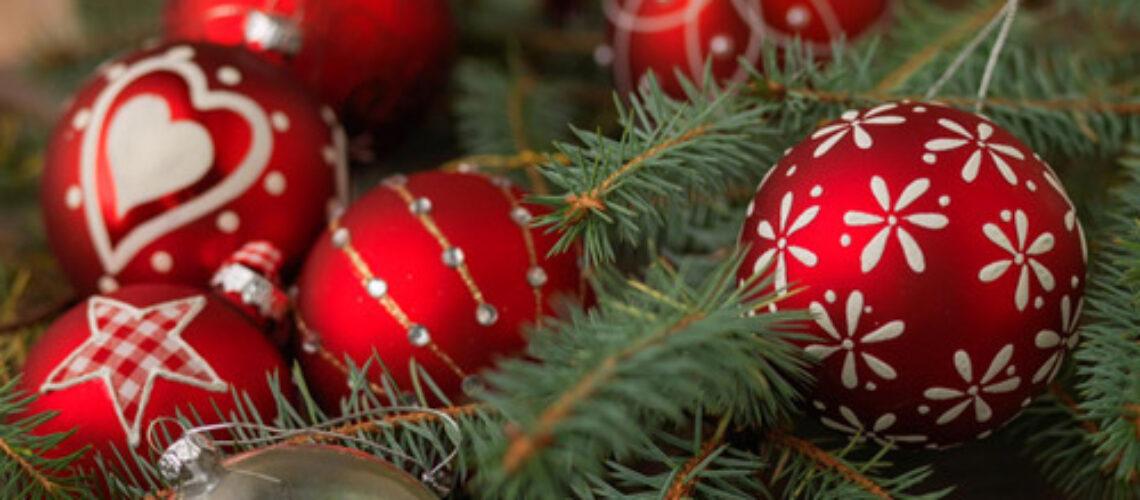 Χρόνια Πολλά !!! Με την ευκαιρία των γιορτών σας ευχόμαστε……