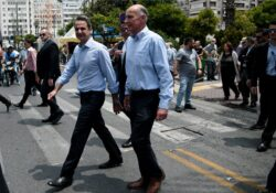 Επίσκεψη του Πρωθυπουργού στο εμπορικό κέντρο του Πειραιά